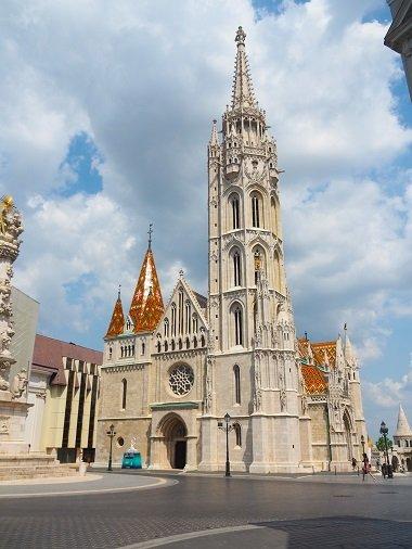 Budapest, reisen, Städtetrip, alleine reisen, Europa, Ungarn, alleine reisen als Frau, Backpacking, Rucksackreisen, Sehenswürdigkeiten, Mathiaskirche