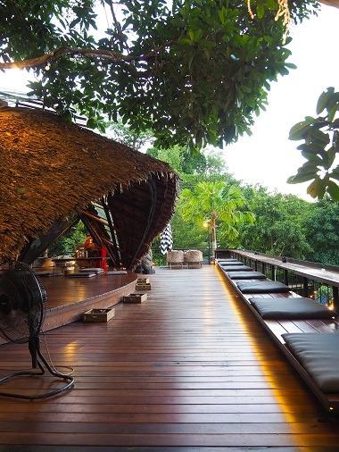 reisen, Weltreise, Asien, Phuket, Thailand, Restaurant, alleine reisen, Backpacking, Rucksackreisen, allein reisen als Frau, Sehenswürdigkeit, Aussicht, Three Monkeys Restaurant